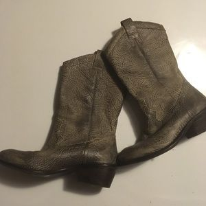 Jessica Simpson Gray Leather Western boots 6B